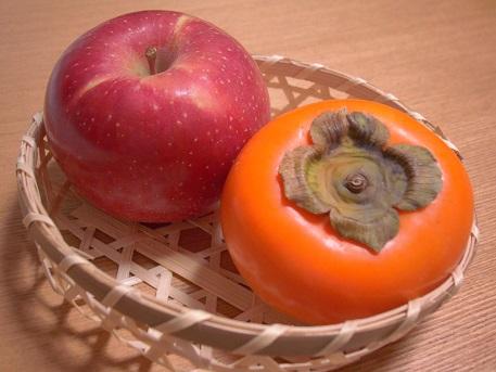 りんご柿17.11.7.jpg