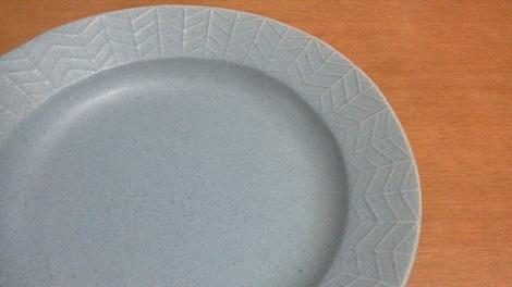 ブルーグレー皿17.8.24.jpg